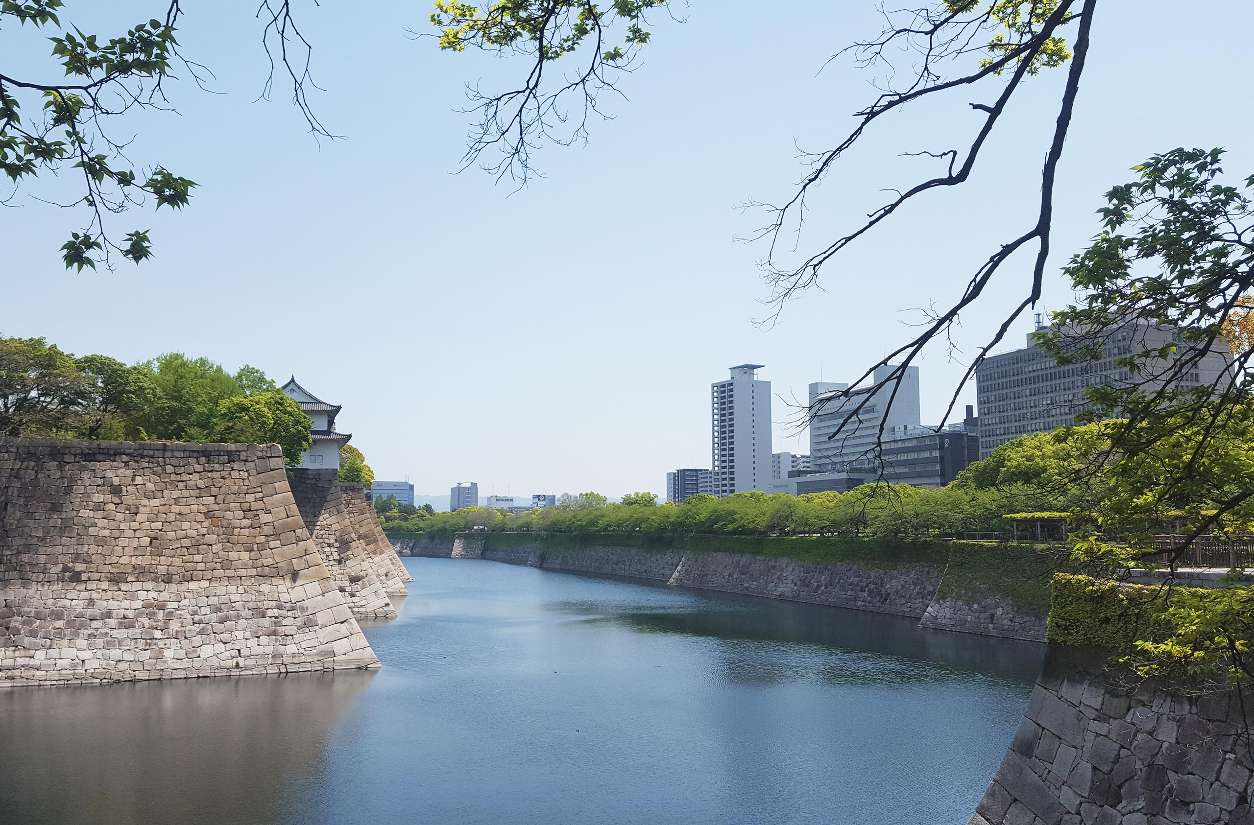 WanderingWally_Osaka-Castle2