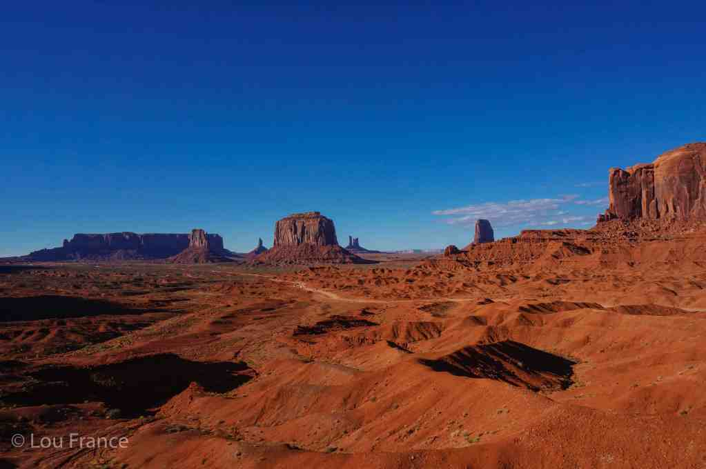 How to visit Monument valley and see sights like this is through taking a guided tour