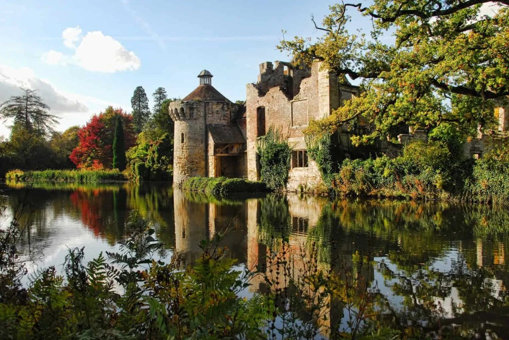 Scotney Castle is a scenic winter walk in England