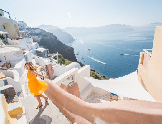 oia-santorini-greece-views-of-lovely-buildings-and-sea