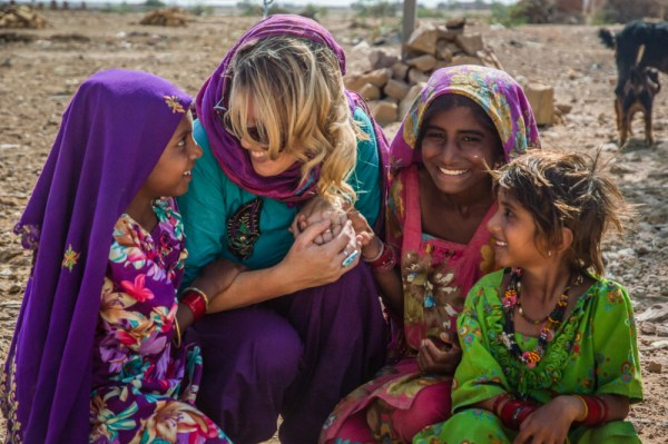Making friends with the locals in Rajasthan, India by Wandering Wheatleys