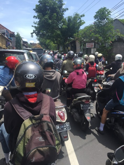 400+ person moped traffic jam, I may have bumped into a couple of people!
