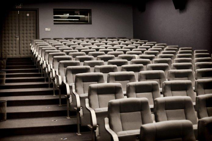 Alleine Ins Kino