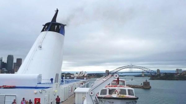 Cruise leaving Sydney
