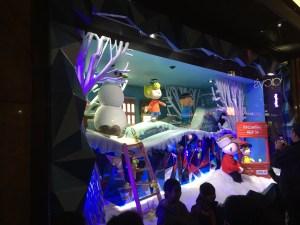 NYC Macys Window Peanuts 2