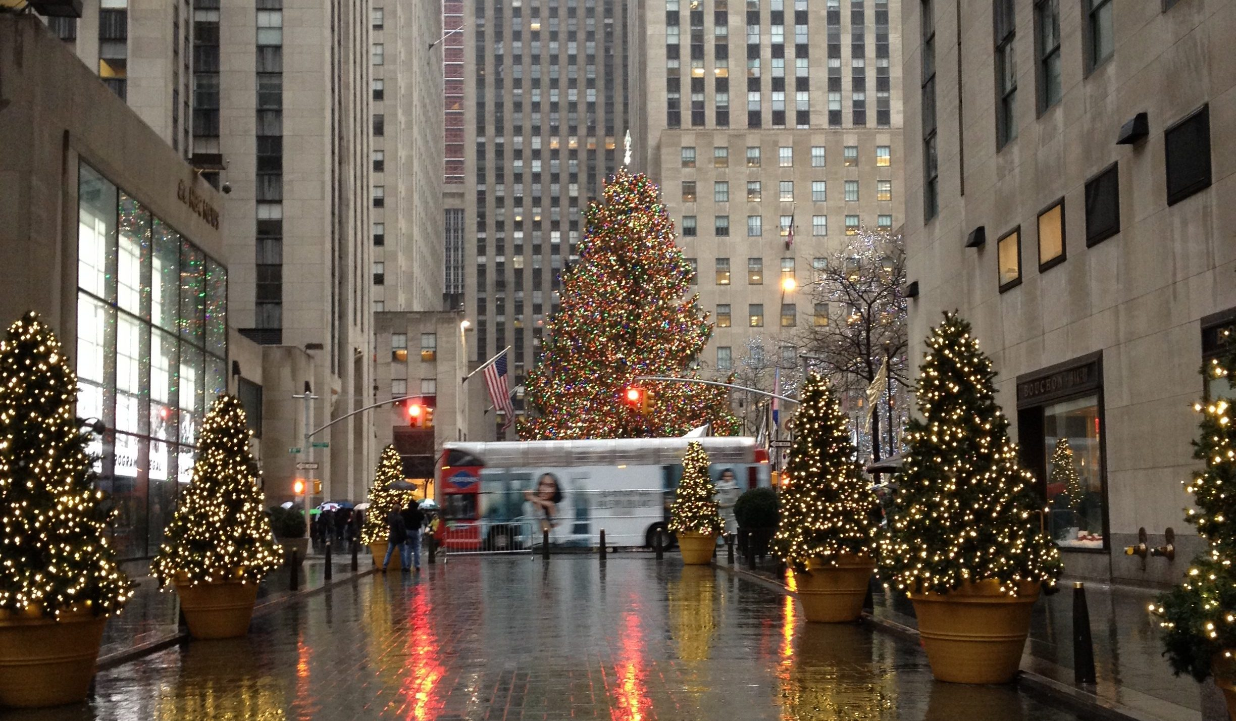 Christmas in New York City - Wanderlust on a Budget