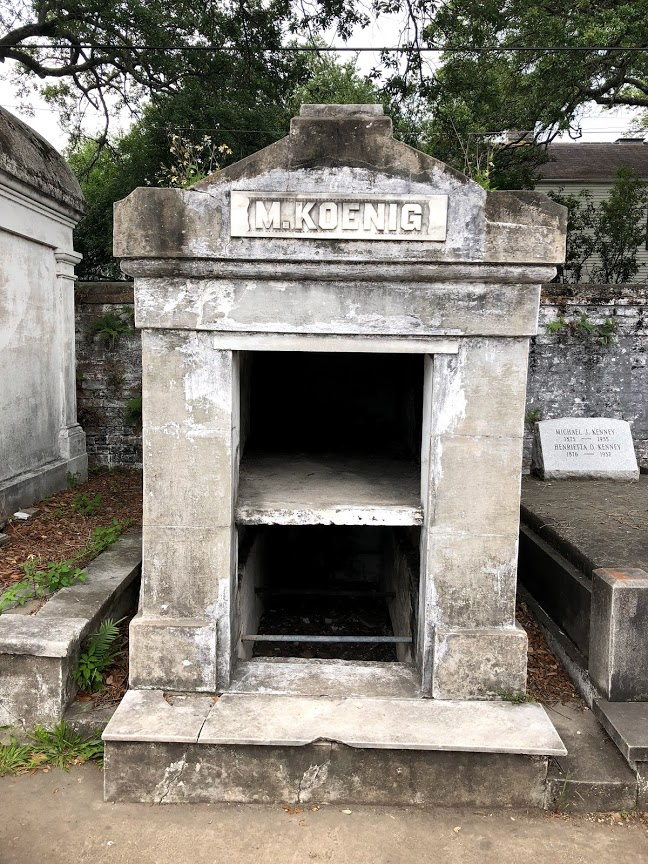 New Orleans - Lafayette Cemetery Open Mausoleum