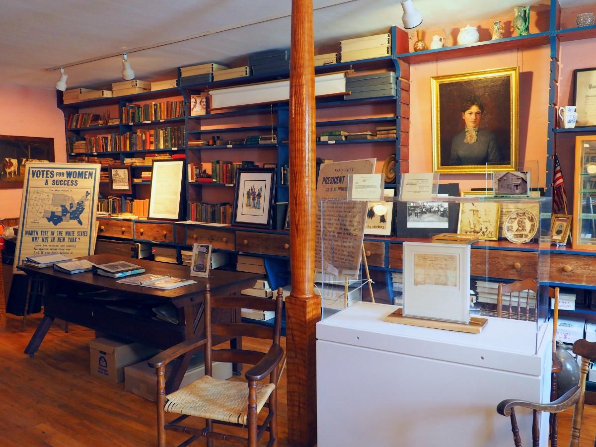 Howland-Stone-Store-Museum