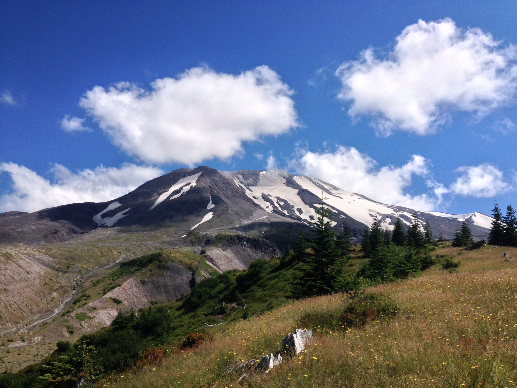Backpacking Loowit Trail, Washington