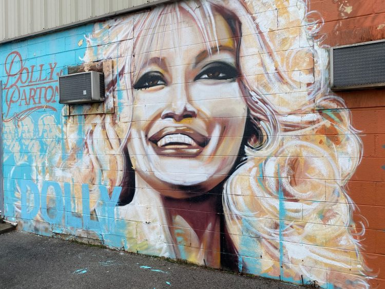 LorettaDolly Parton wall mural in Nashville Tennessee.