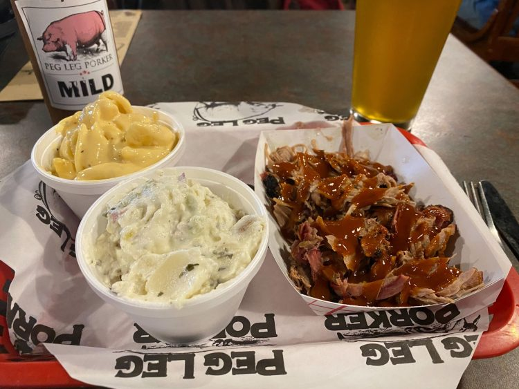 mac and cheese, coleslaw and barbecue at peg leg porker in nashville tennessee