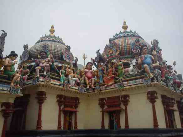 The Sri Mariamman Temple- Crazy Singapore.