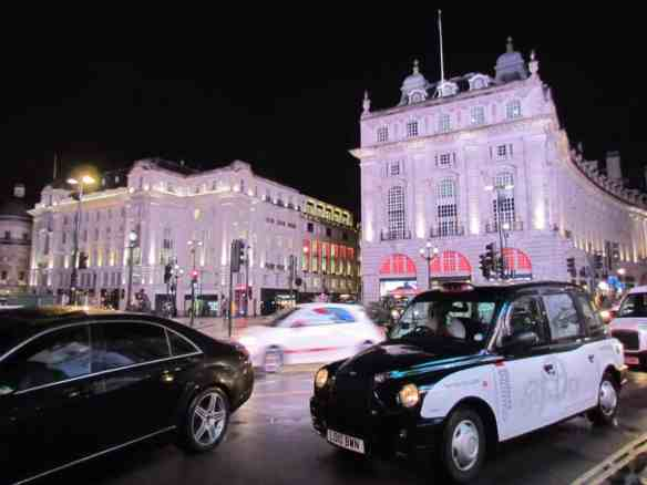 London Piccadilly Circus: Uber Abroad