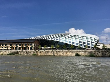 Bálna: the glass whale where different markets and events take place