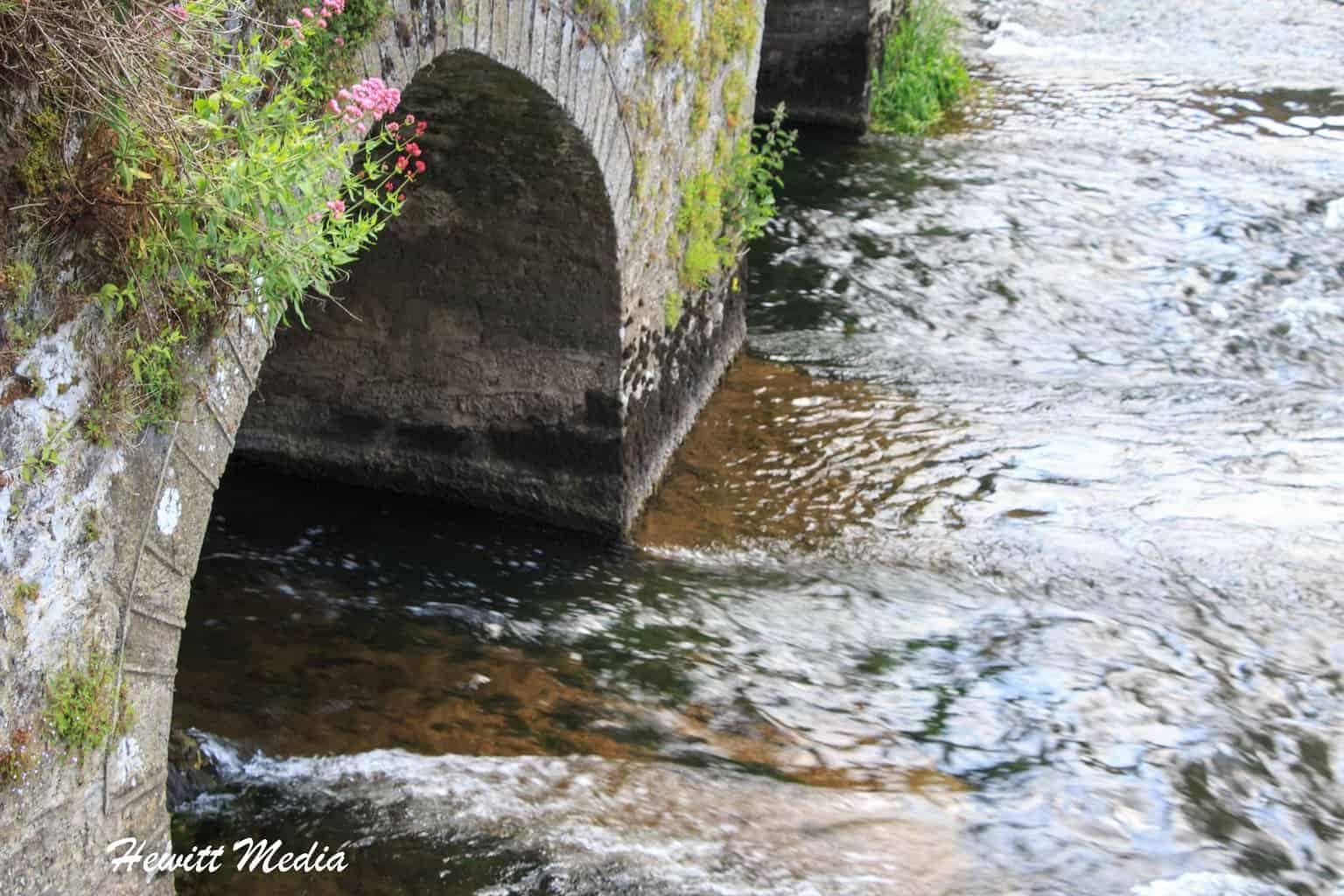 The bridge across the river