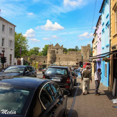 Walking to the castle from the town of Cahir
