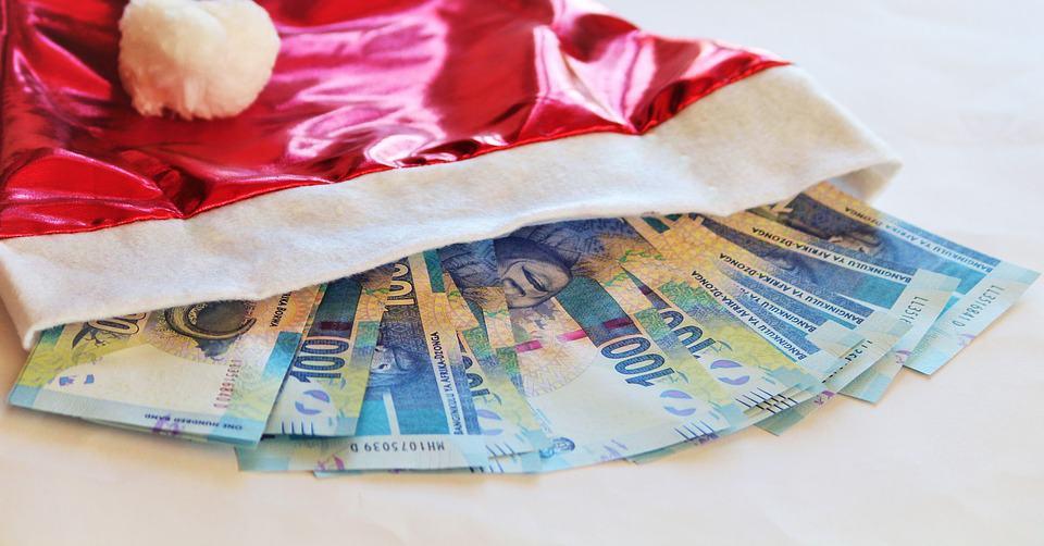 christmas-money-1085019_960_720.jpg