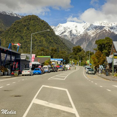 The town of Franz Josef Glacier