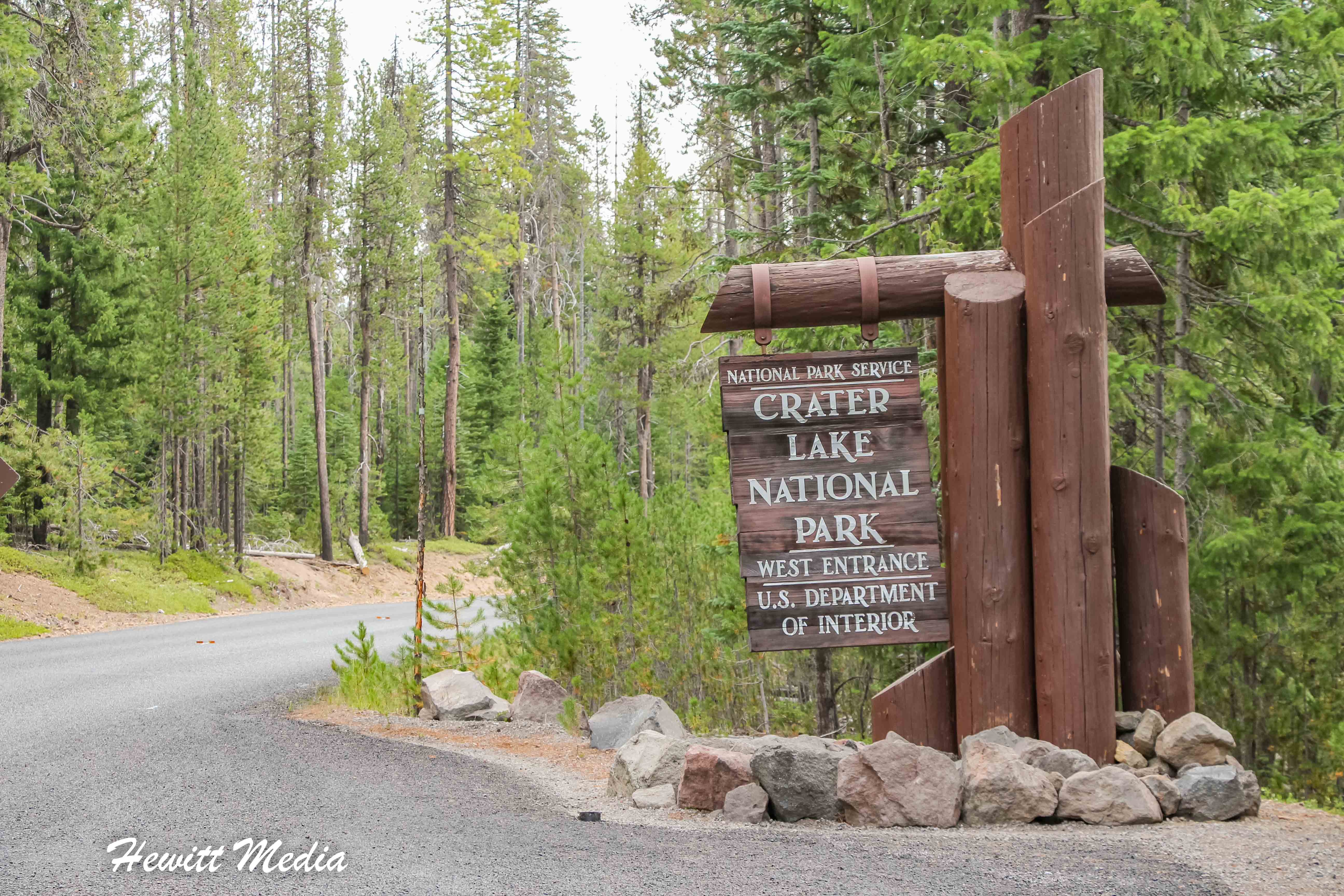 The entrance to Crater Lake National Park