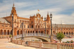 Traveler's Guide to Seville, Spain