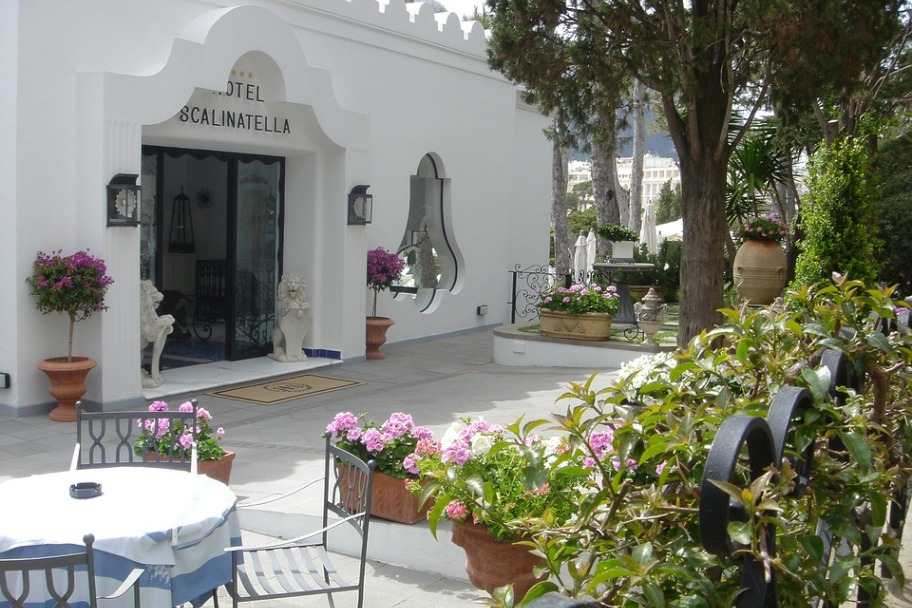Capri Travel Guide - Capri Hotels