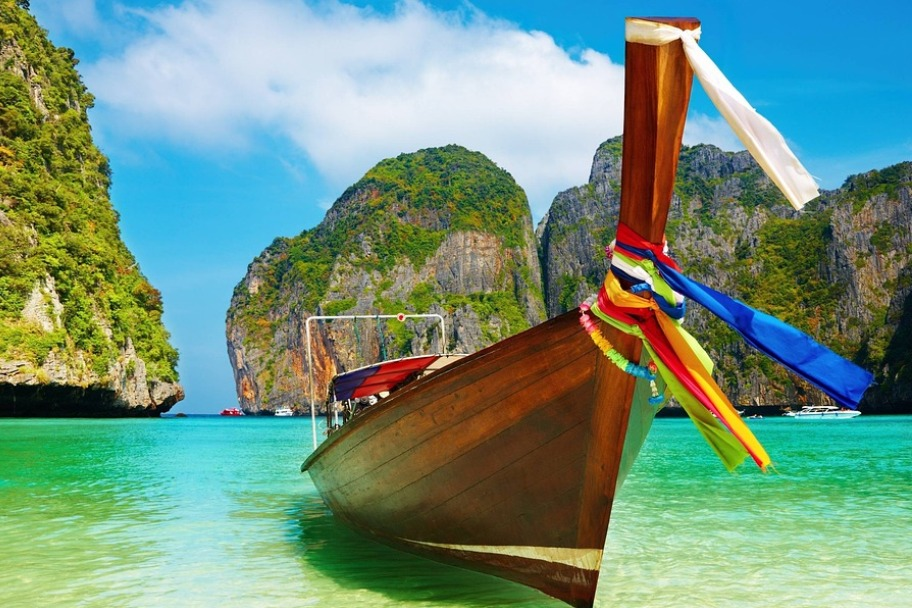Travel Bucket List - Explore the Phi Phi Islands