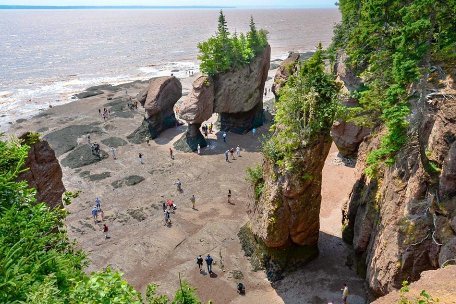 World's Most Beautiful Coasts - Hopewell Rocks