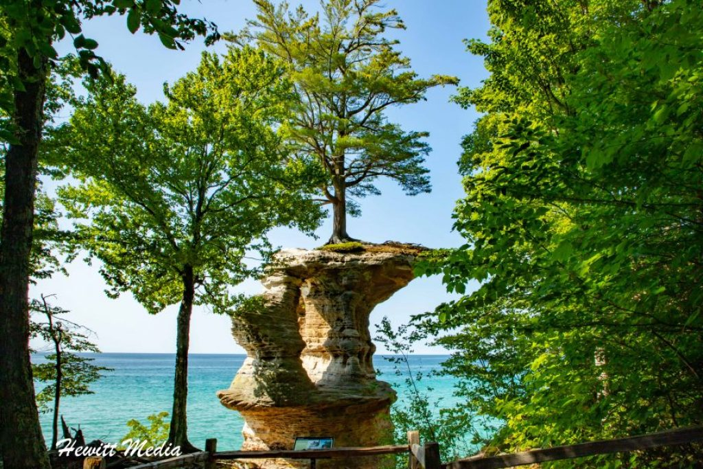 Pictured Rocks Travel Guide - Chapel Rock