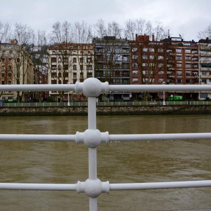 bilbao architecture river