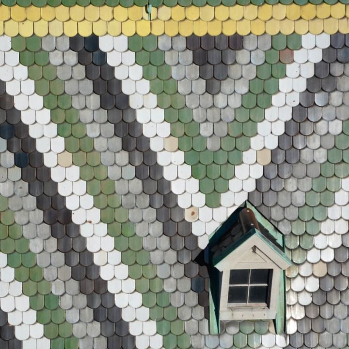 Vienna weekend with kids children stephans dom roof tiles