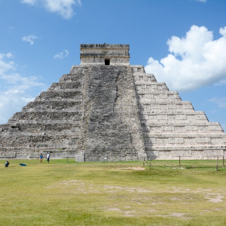 travel with children kids mexico chichen itza kukulkan pyramid