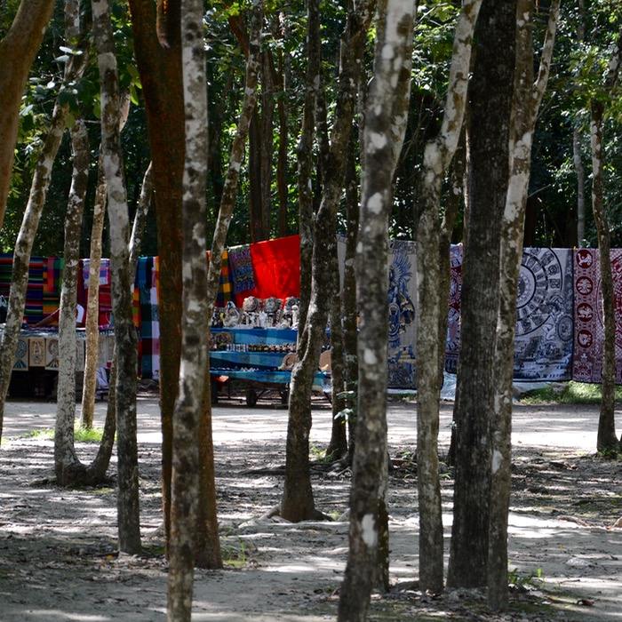 travel with children kids mexico chichen itza thousand columns souvenir stalls