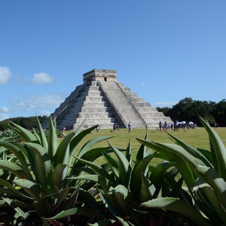 travel with children kids mexico chichen itza el castillo