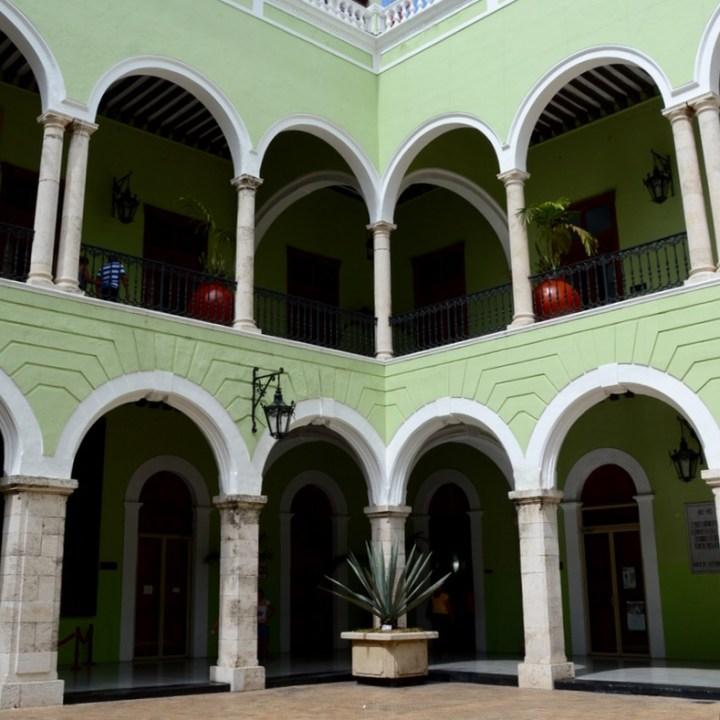 Travel with children kids mexico merida palacio de gobierno