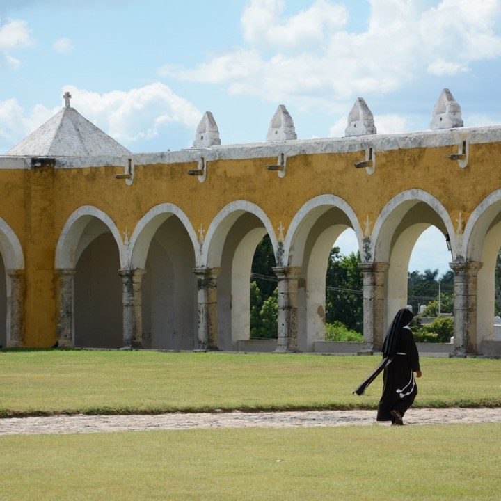 Travel with children kids mexico merida izamal convento de san antonio de padua nun