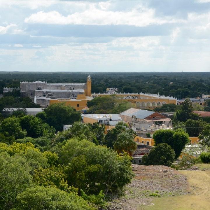 Travel with children kids mexico merida izamal kinich kakmo pyramid view