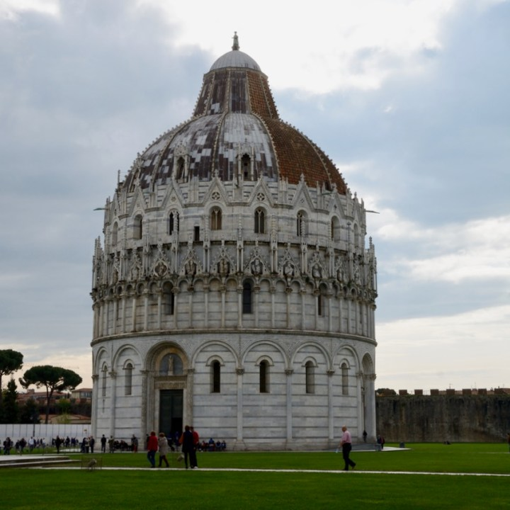 travel with kids children pisa italy baptistry