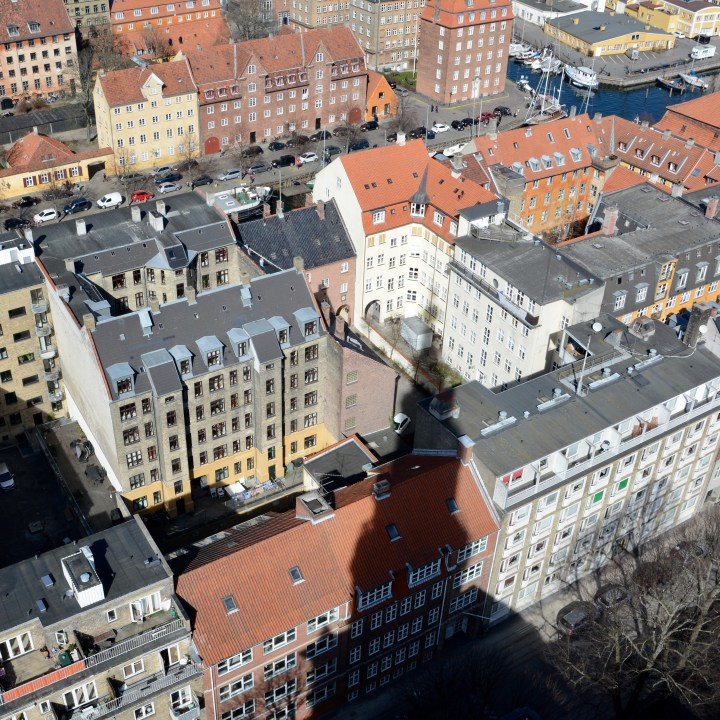 travel with kids children copenhagen denmark christianshavn our saviour church spire shadow