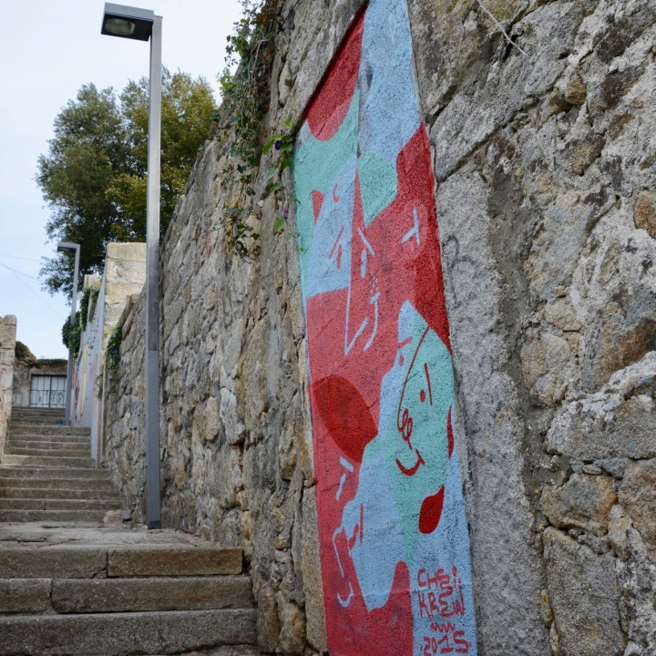 travel with kids children porto portugal street art