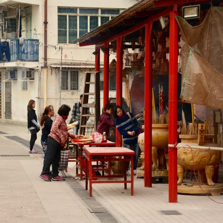 travel with kids children peng chau hong kong buddhist temple