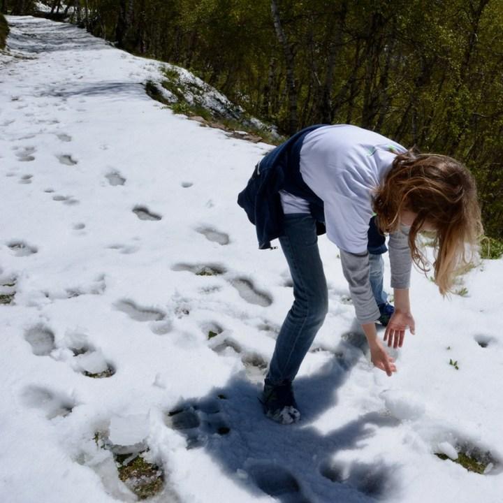 travel with kids children mount spalavera lago maggiore hiking snow man