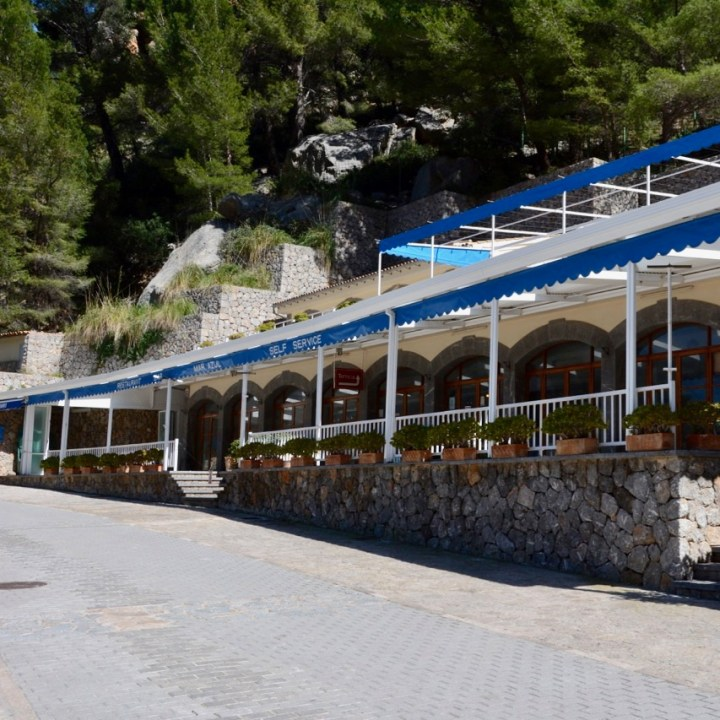 travel with kids children soller mallorca spain hiking torrent de pareis restaurant