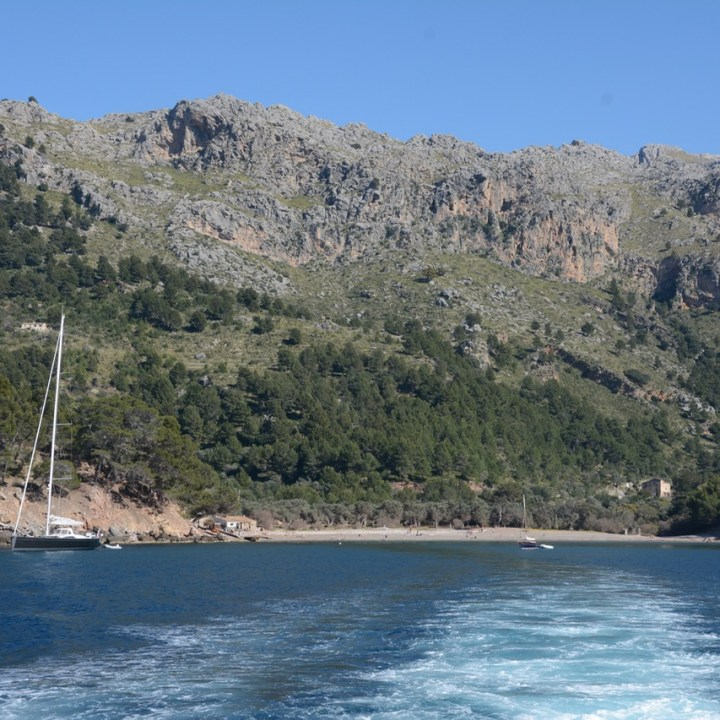 travel with kids children soller mallorca spain hiking cala tuent bay