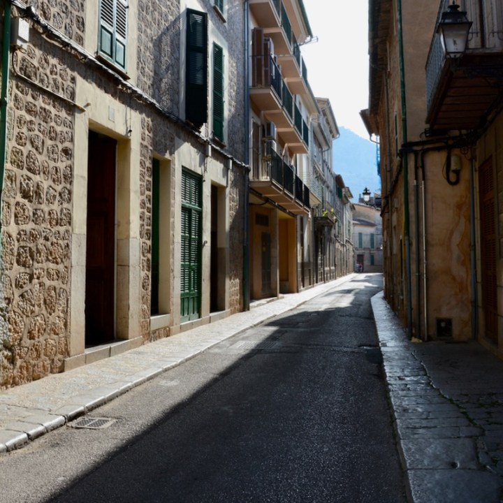 travel with kids children soller mallorca spain hiking fornalutx calle lluna