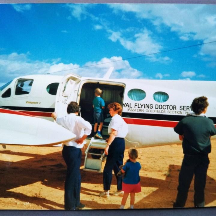 wanderlust experiences anne leiden horse addict guest post flying doctors