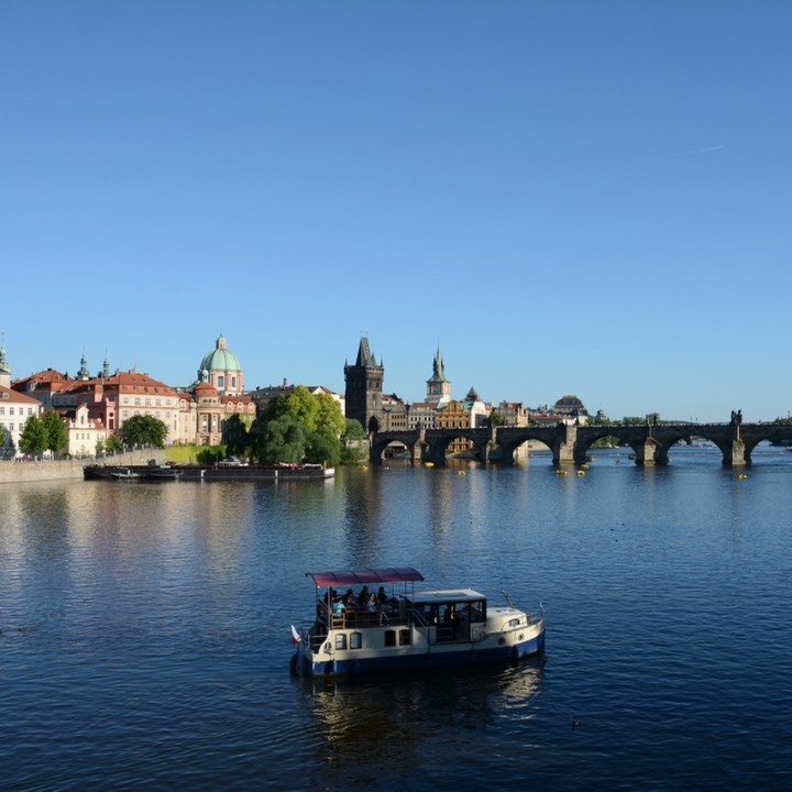 travel with kids prague charles bridge