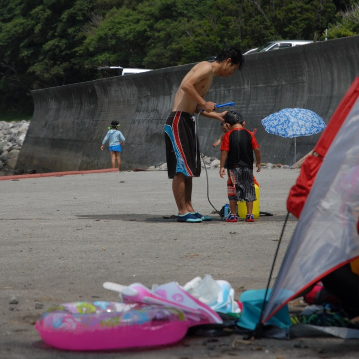 heda japan with kids izu peninsular beach shower