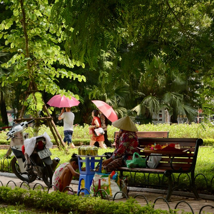 travel with kids vietnam hoi an fruit vendor