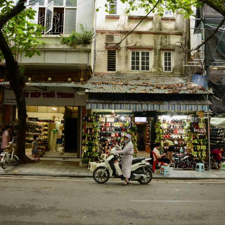 travel with kids vietnam hoi an shoe shops