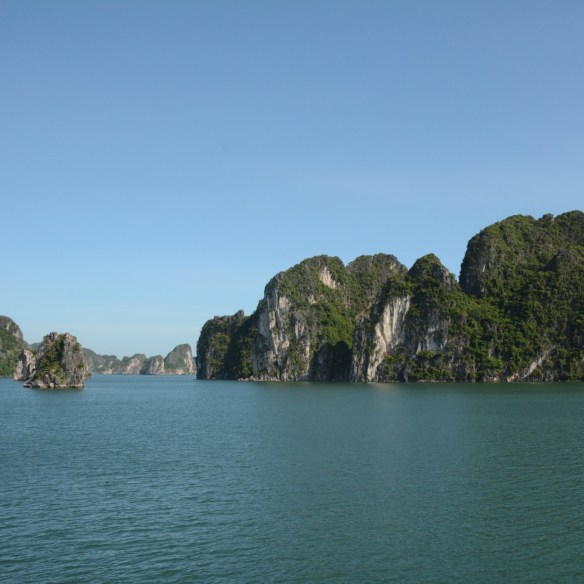 Ha Long Bay, Vietnam | Tips on Booking a Cruise in Ha Long and Bai Tu Long Bay